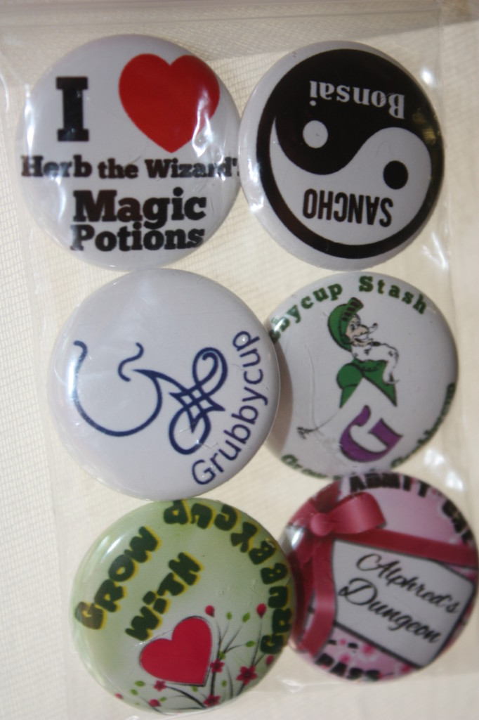 Buttons 019